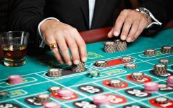 Онлайн-казино за сотни тысяч долларов Азартные игры продолжают оставаться одним из самых популярных видов сетевого досуга. Об этом говорит не только количество посетителей различных онлайн-казино, но также продажи на вторичном рынке доменных имен. - Webcentr